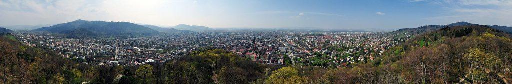 Freiburg - Schlossbergturm-Panorama - fotografiert von Armin Hornung (CC)